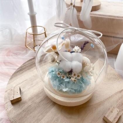 Gracie Preserved Flower Globe