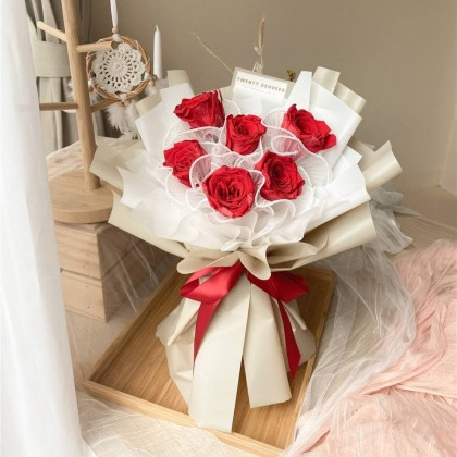 Sofia Preserved Flower Bouquet (Nationwide Delivery)