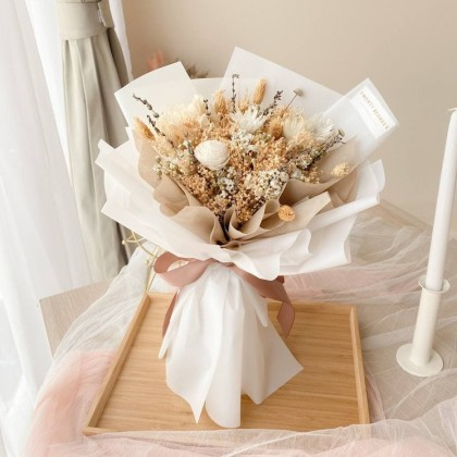 Ensley Perserved Flower Bouquet (Nationwide Delivery)