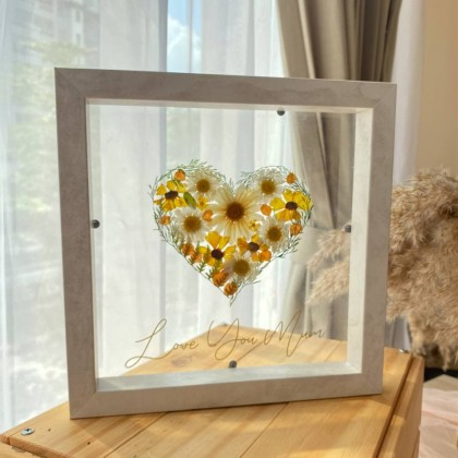 Finley Pressed Flower Frame (Nationwide Delivery)
