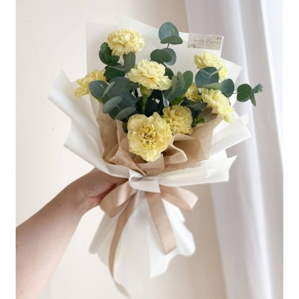 Rayna Carnation Bouquet