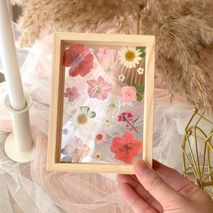 Roselyn Pressed Flower Frame